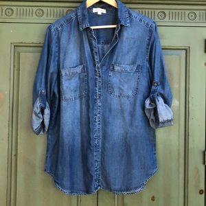 Cloth & Stone Denim Button up shirt sz medium